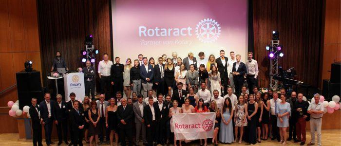 Gruppenfoto Gründungscharter Rotaract Nassau
